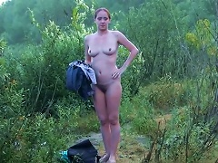 19yo Sexy Amateur Cutie Is Getting Naked